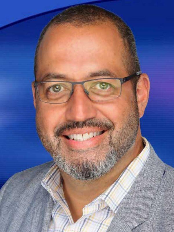 <b>Hugo Balta</b><br> VP NWT en Español, Coach